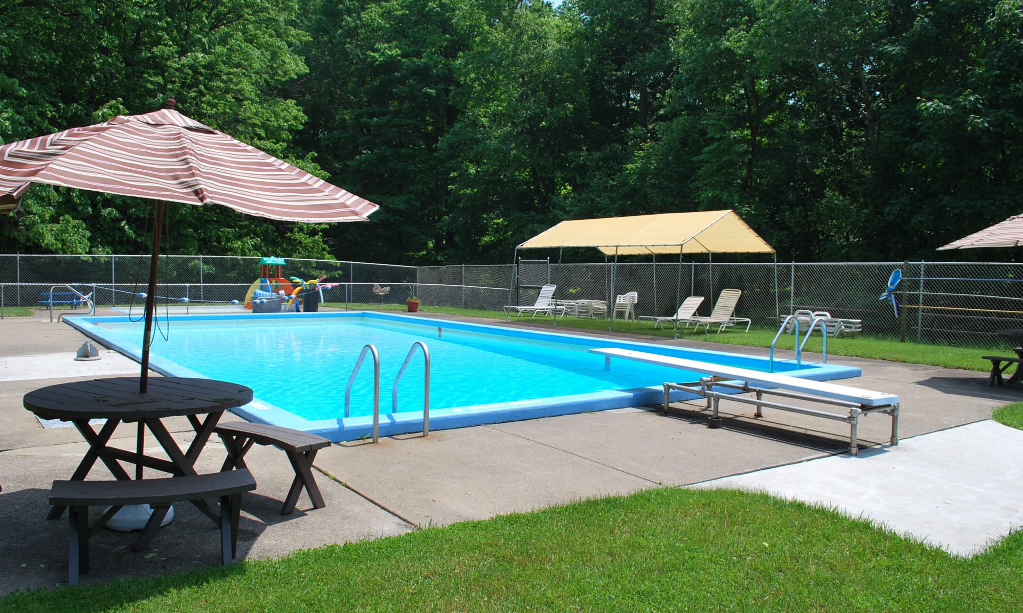 Knollwood Swim Club